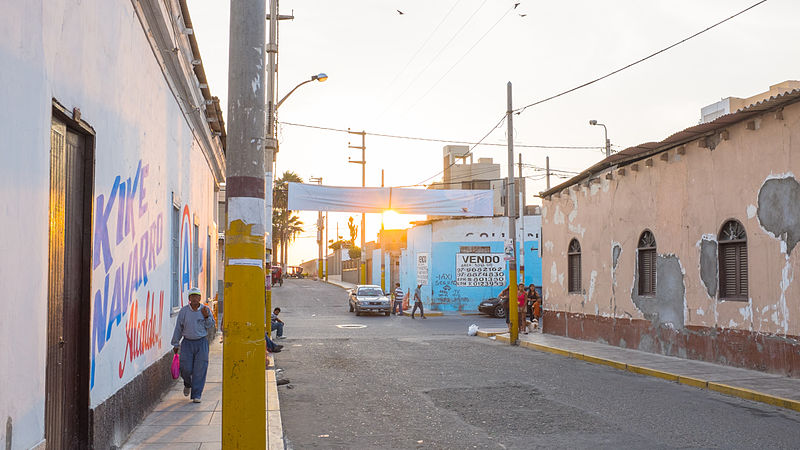 calle en pimentel chiclayo peru